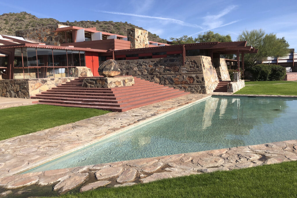 200129 taliesin west ew 1153a 7ece580e7e608b62af92f34885d38e76 10 Beautiful Houses Designed By Frank Lloyd Wright You Must See