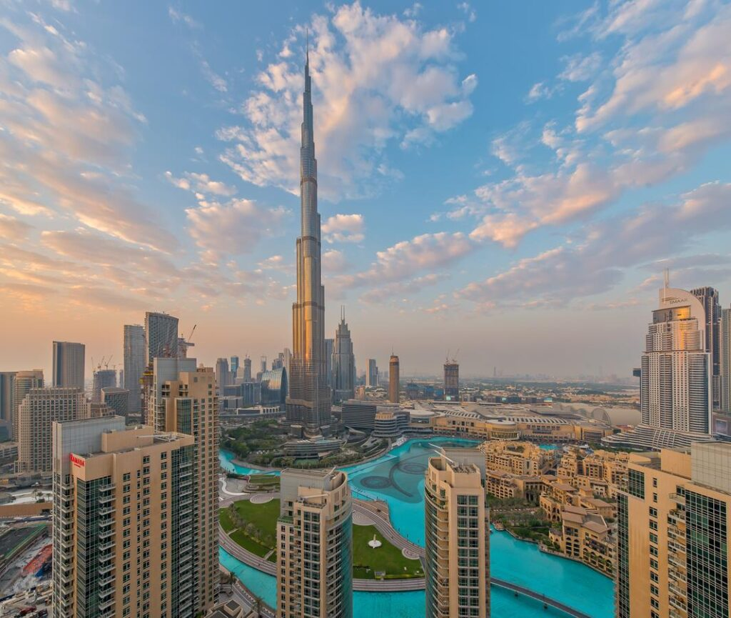 243328302 Iconic Buildings, The Top 24 Most Beautiful Structures Around The World
