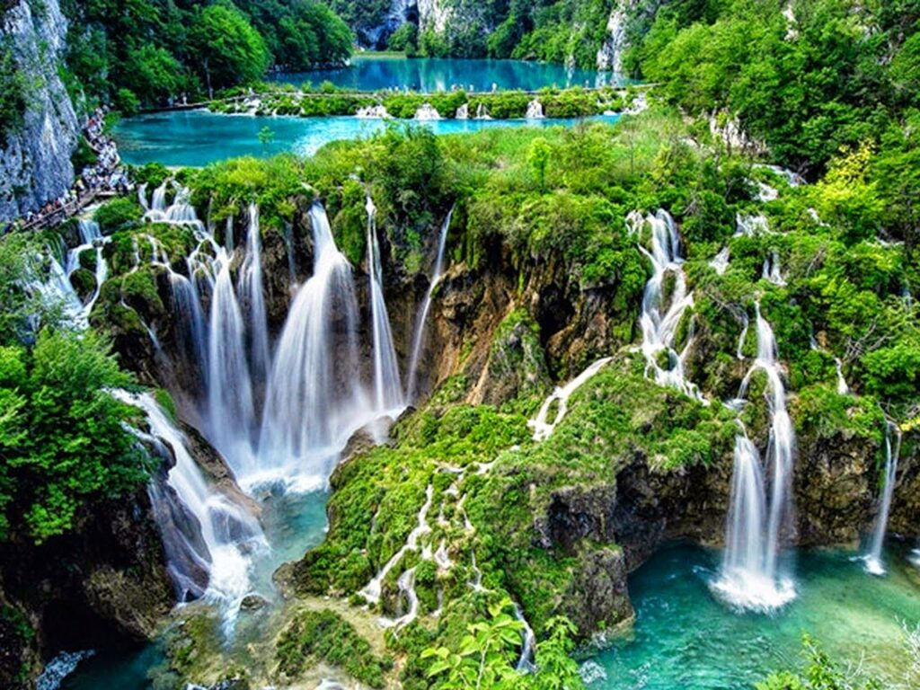 2c3a873c00ce3f01eebd17fcf3ffd935 1 16 Beautiful And Captivating Sites In Europe You Have To Visit