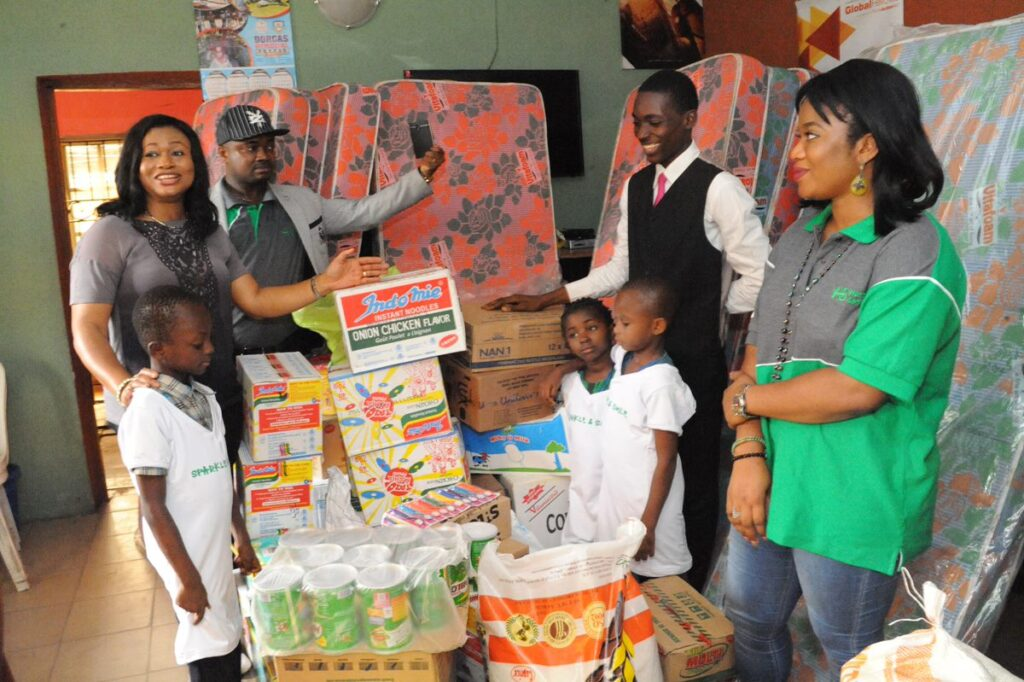 Charity and Gifting. Covid 19 X-mas: 7 Ways To Enjoy The Christmas Holiday In Lagos, Nigeria.
