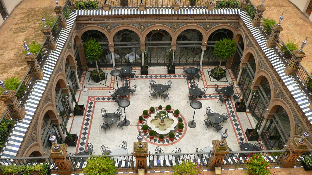 HOTEL ALFONSO XIII 10 Antiquated Hotels That Have Not Lost Their Glory