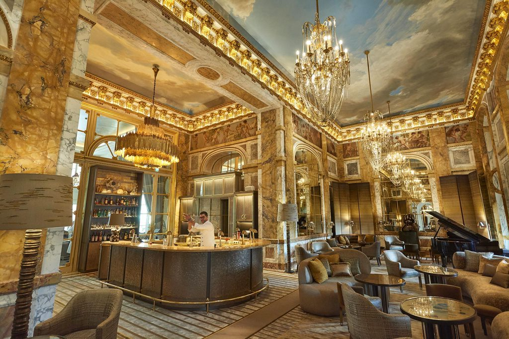 HOTEL DE CRILON 10 Antiquated Hotels That Have Not Lost Their Glory