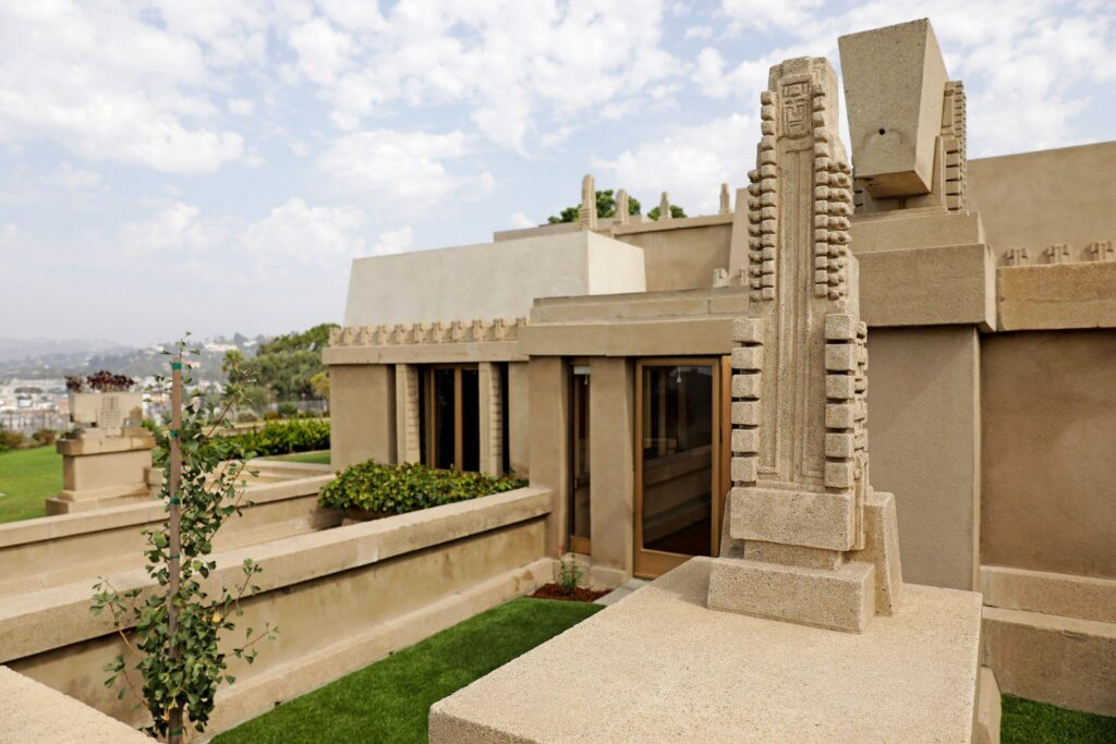 Hollyhock House 10 Beautiful Houses Designed By Frank Lloyd Wright You Must See