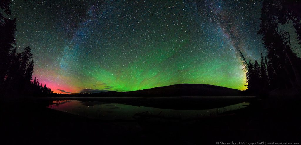 SEE THE NORTHERN LIGHTS 1 7 Incredibly Fun Things To Do In Iceland