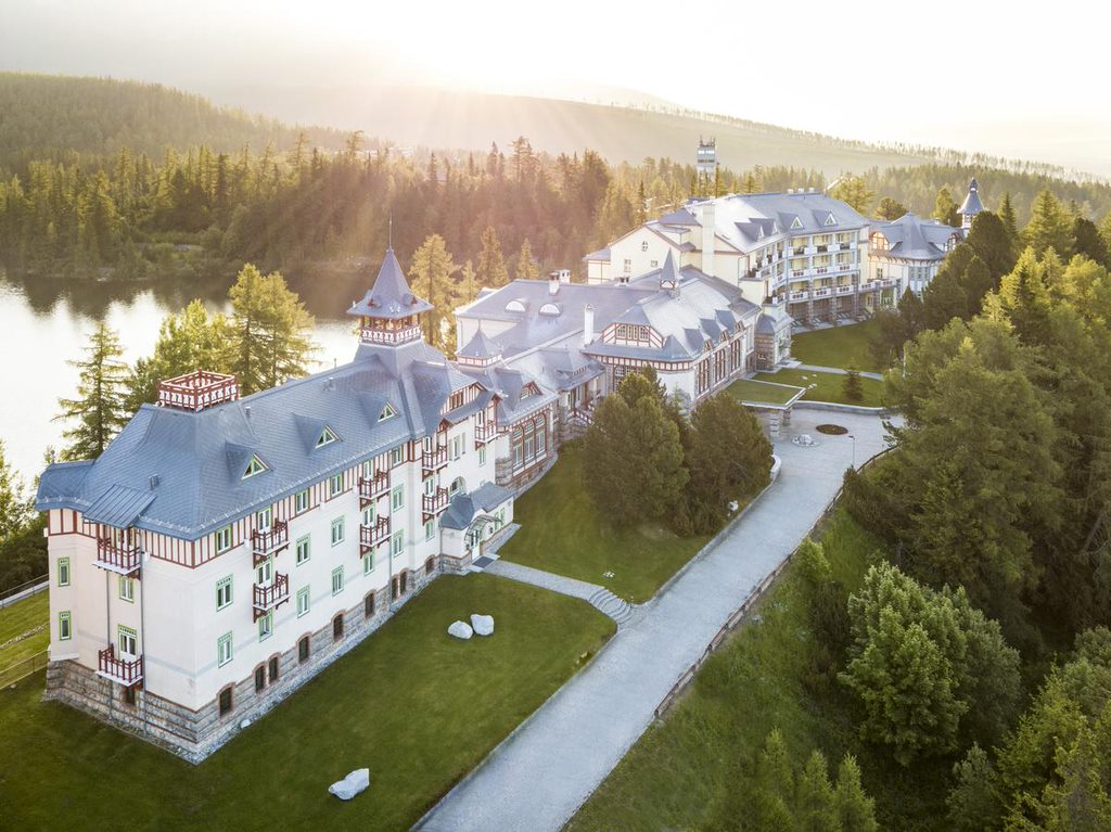 SLOVAKIA GRAND HOTEL KEMPINSKI HIGH TATRAS 10 Antiquated Hotels That Have Not Lost Their Glory