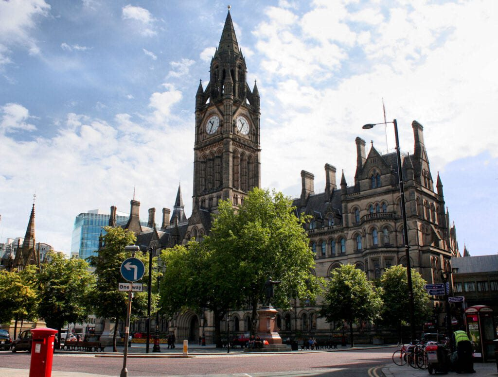 Town Hall Manchester 1024x776 1 10 Must-Visit Places In The United Kingdom