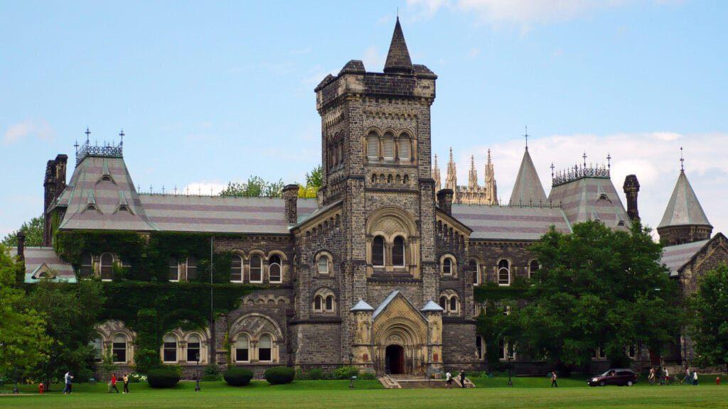 Universityof Toronto Scholarships. Globemigrant. 1 1024x576 1 Apply Now For The University Of Toronto Scholarship 2021
