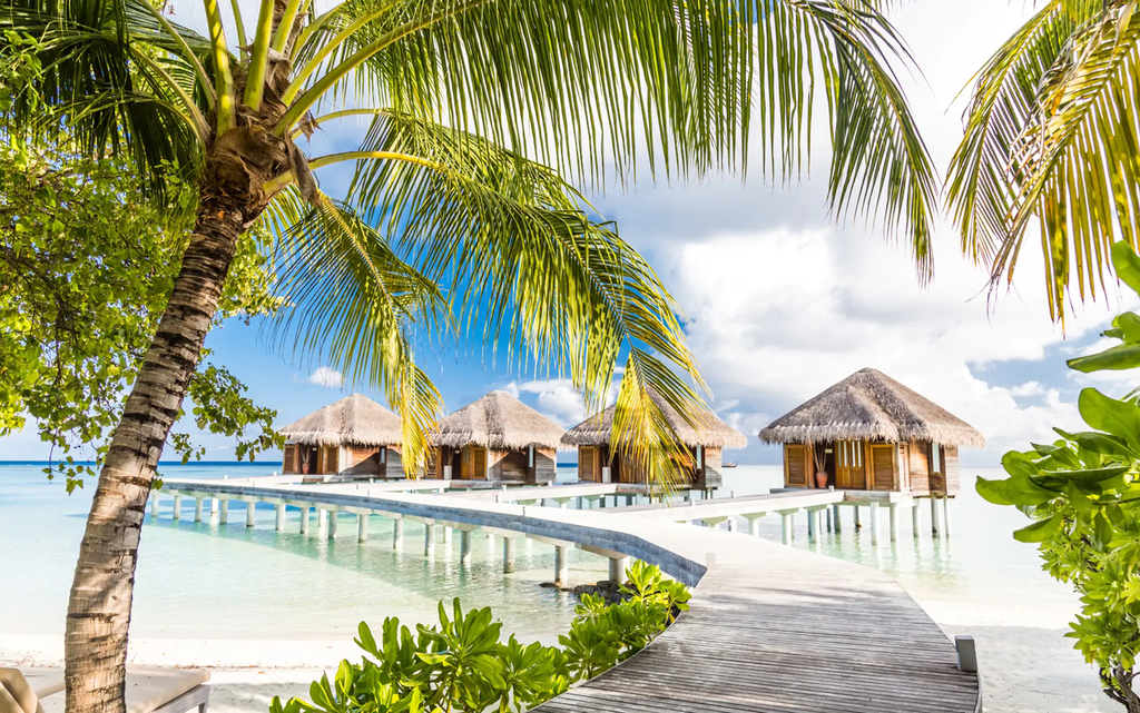 bah lux hotel maldives 2 10 Most Luxurious All-Inclusive Resorts In The World