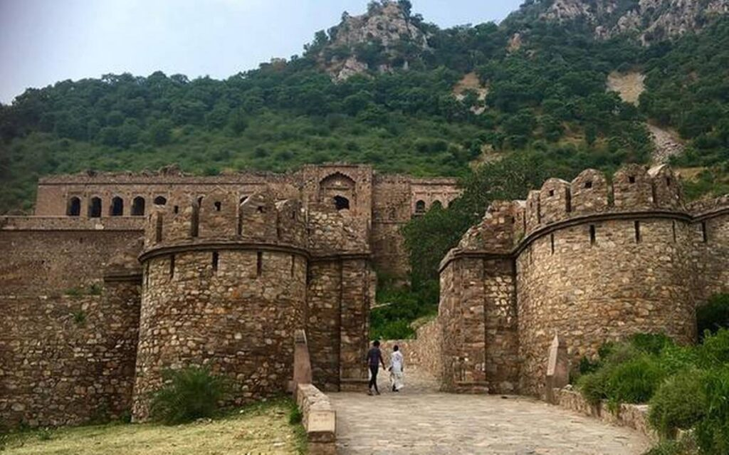 bhangarh 1 10 Scariest Places To Visit. No. 4 Will Make You Want To kill Yourself.