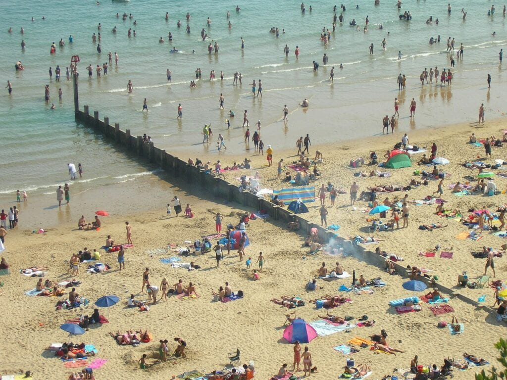 bournemouth beach 1024x768 1 10 Must-Visit Places In The United Kingdom