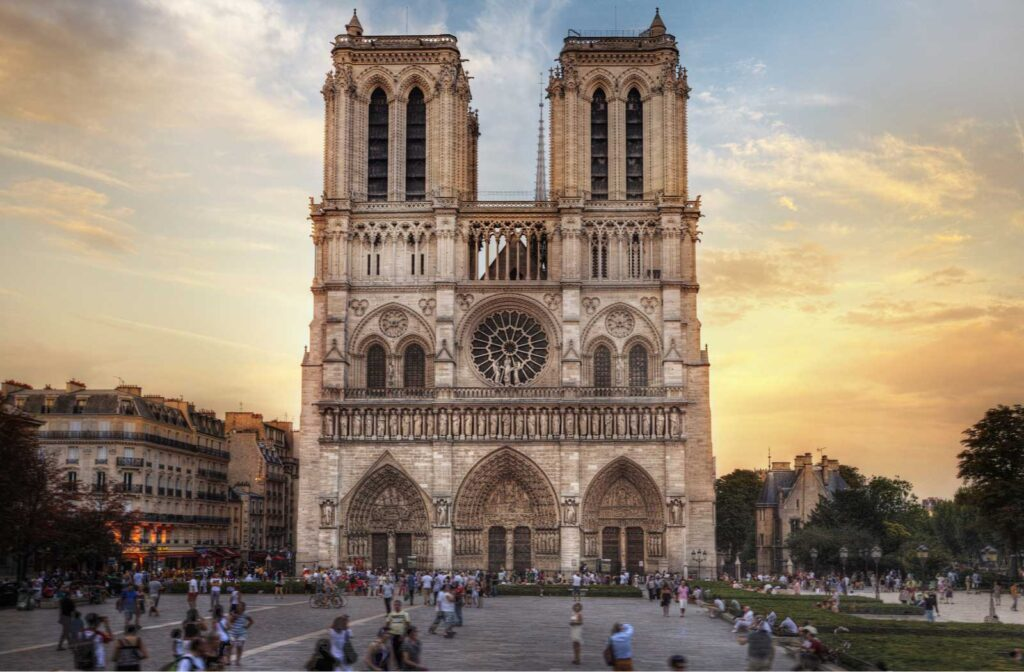 image 4 Iconic Buildings, The Top 24 Most Beautiful Structures Around The World