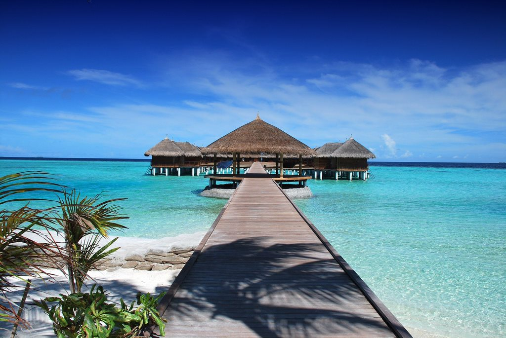 maldives 666122 1920 Places With The Bluest Water