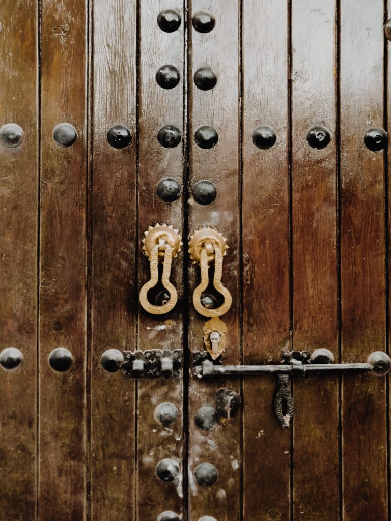 qj gpqmczbg 768x1024 1 Travel Tips: 14 Ways To Protect Your Home From Burglars