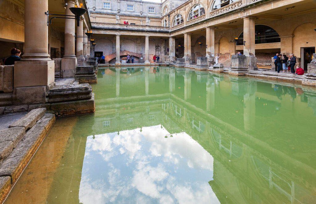 romanos bath inglaterra 2014 08 12 dd 21 big 1024x662 2 10 Must-Visit Places In The United Kingdom